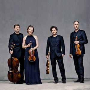 Roots III: Haydn, Brahms, Priaulx Rainier, Mokale Koapeng en Van Dijk